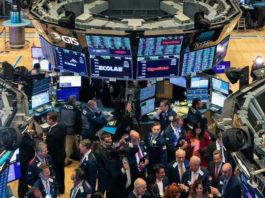 Der Dow-Jones-Index hat zum ersten Mal in der Geschichte 29.000 Punkte überschritten.